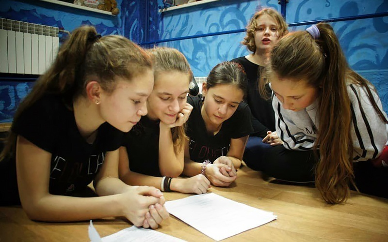 онлайн-урок, театральное отделение, дистанционное обучение ШСТСН, карантин,